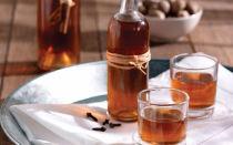Целебный и вкусный самогон на перегородках грецкого ореха. Как самостоятельно приготовить лечебную настойку — тинктуру?