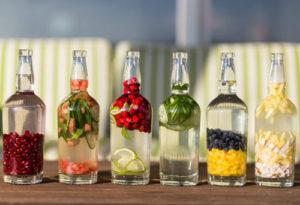 Бутылки со специями для приготовления самогона