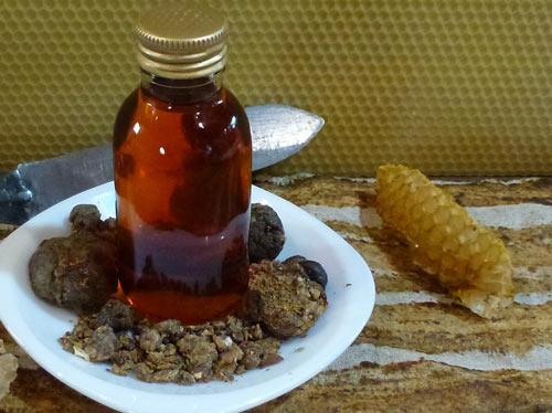Ингредиенты для приготовления настойки прополиса