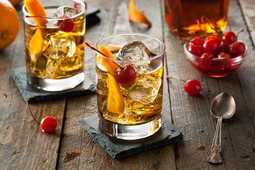 Домашний коктейль в стаканах.