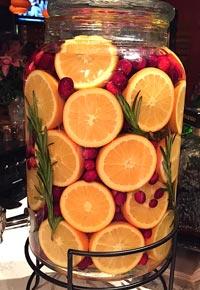 Настойка из апельсинов в банке.