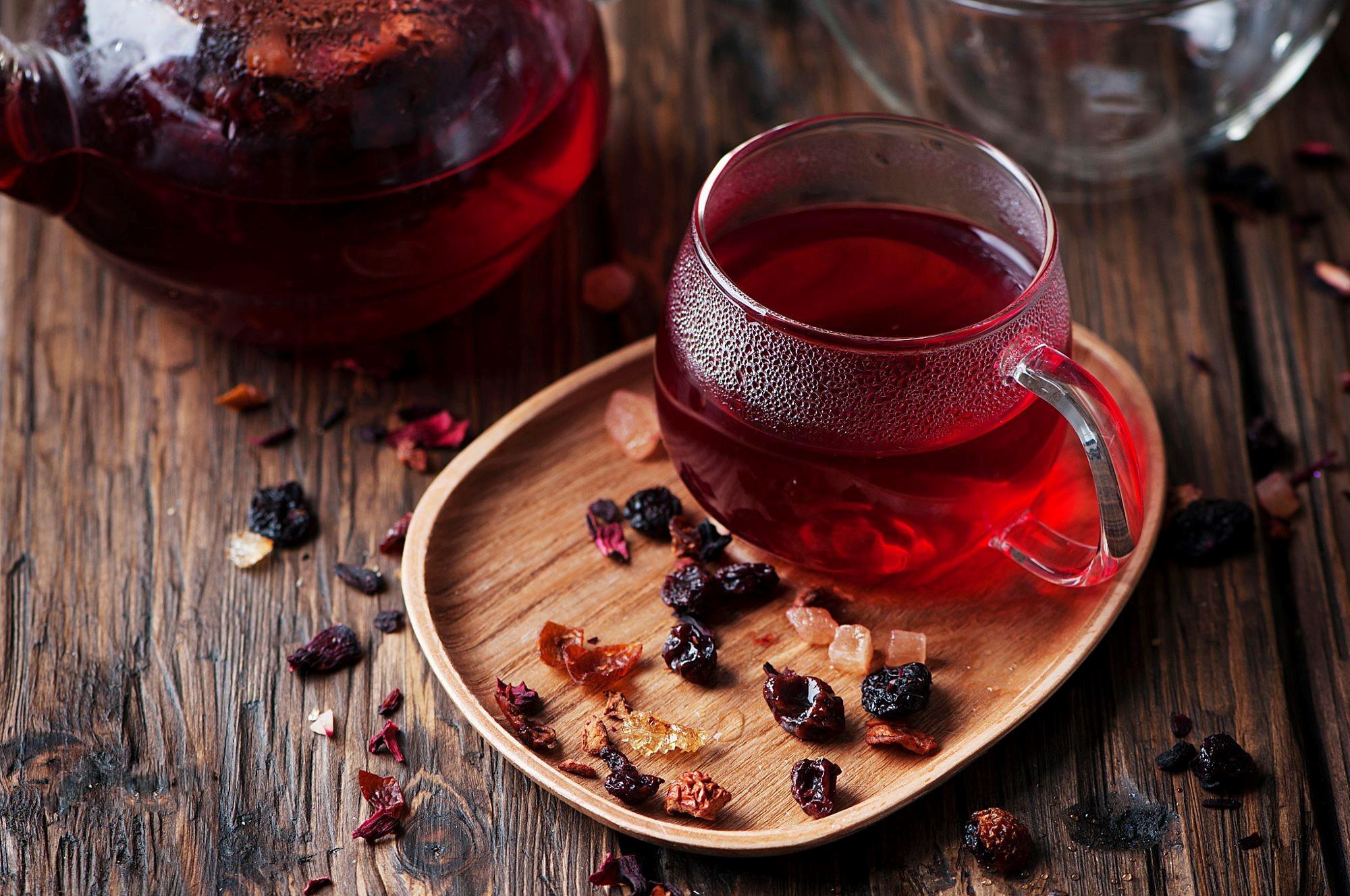 чай с медом и сухим вином